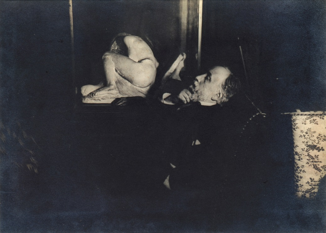 1.	Degas seated, beside a sculpture by Albert BartholomŽ
